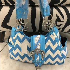 Handbags - Blue and white chevron purse